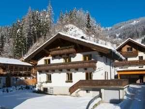 Haus Schneeberg winter, Muehlbach am Hochkoeing