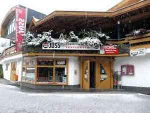 Juss ski hire Muehlbach