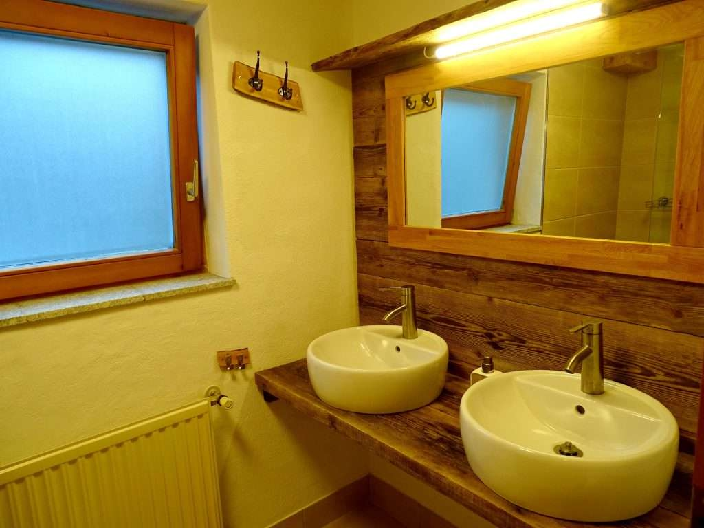 Aberg bathroom, Haus Schneeberg