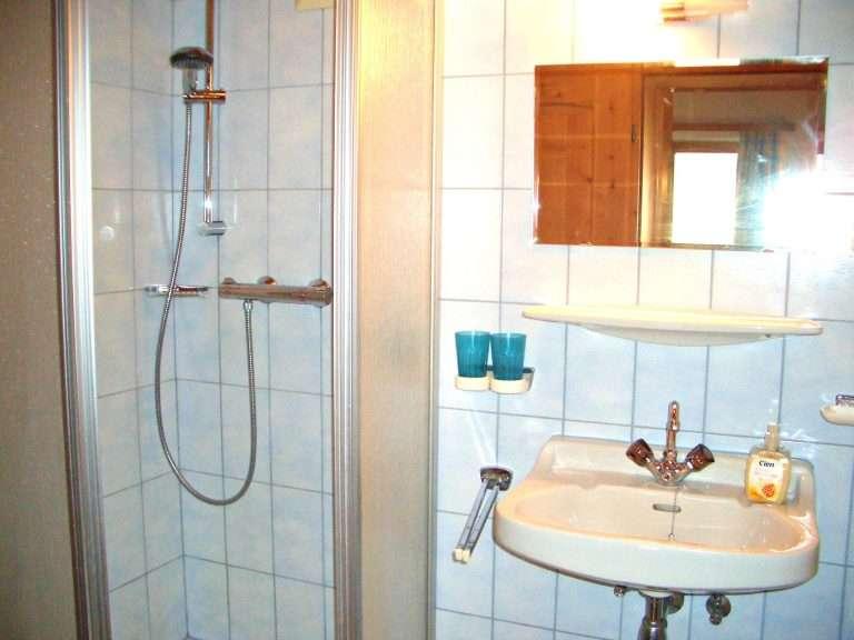 Hochkeil bathroom Haus Schneeberg