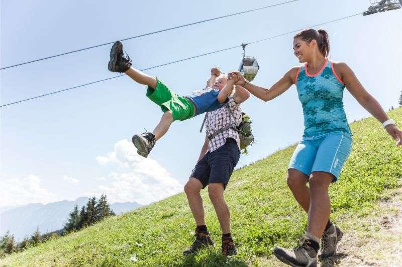 wandern-familienurlaub-bergbahn